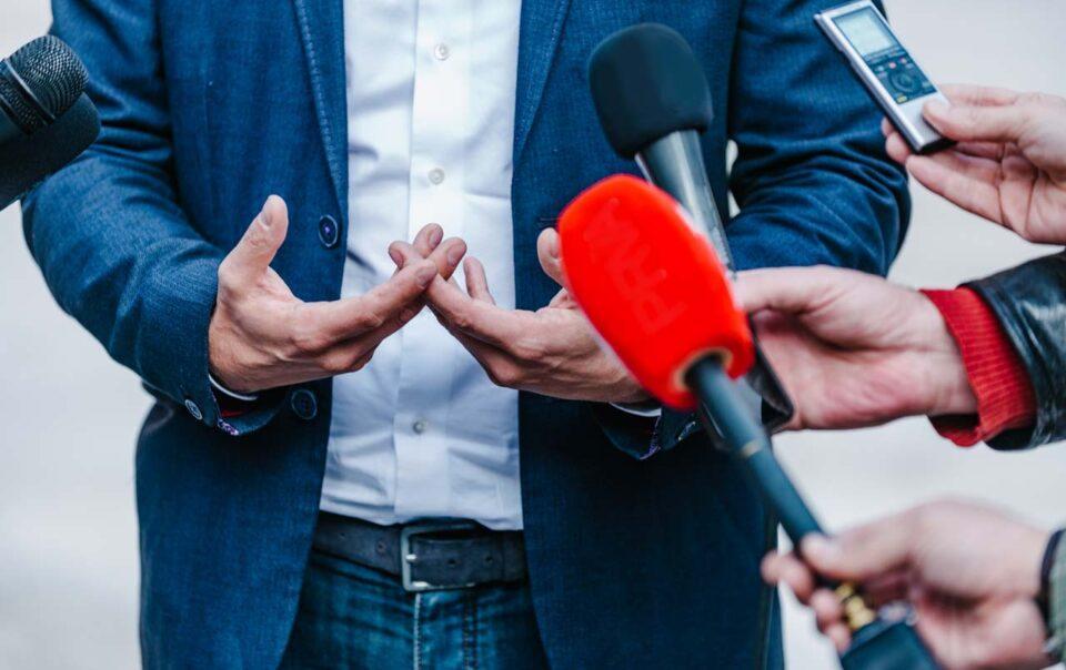 Engage Agencia de Marketing - Feliz día del periodista ecuatoriano